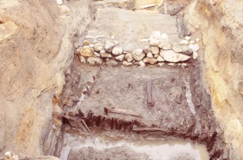 尾道遺跡から出土した中世の護岸